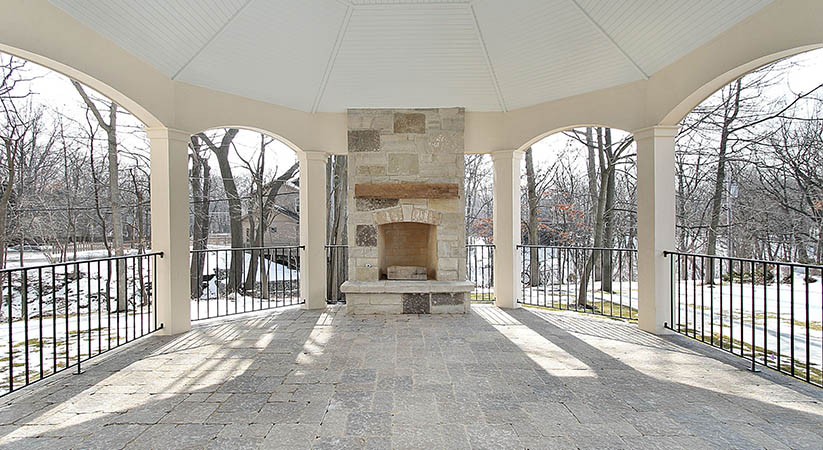 How to decide the right design for outdoor fireplace?