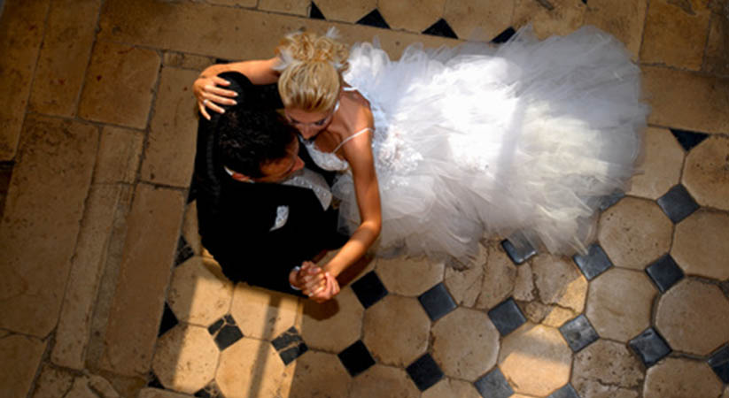Dance Floor Rentals – How Big You Need for Your Wedding?